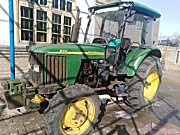 约翰迪尔824拖拉机