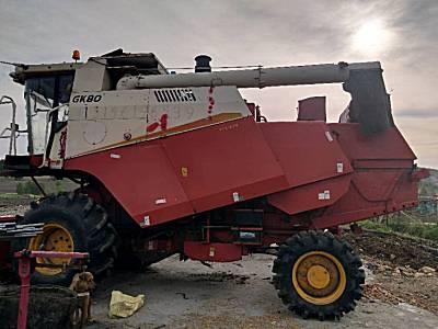 雷沃谷神Gk80玉米收割机