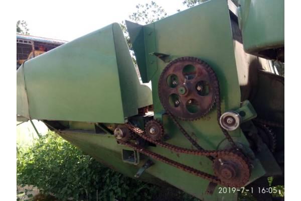 谷王4YZ-4C1玉米收割机