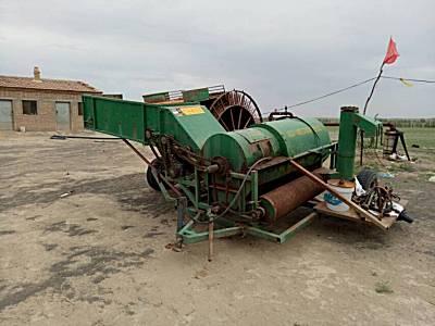 双龙4GZJT-700型籽瓜收获机