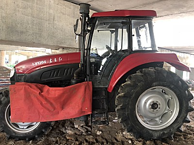 东方红LX1304拖拉机