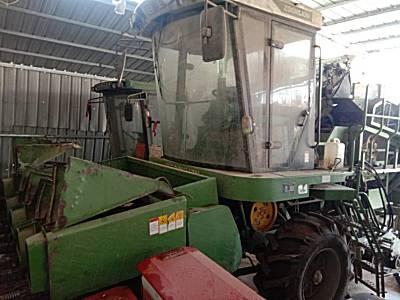 <em>中联重科</em>4YZ-4CM玉米收割机