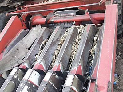 雷沃谷神CC06自走式玉米收获机