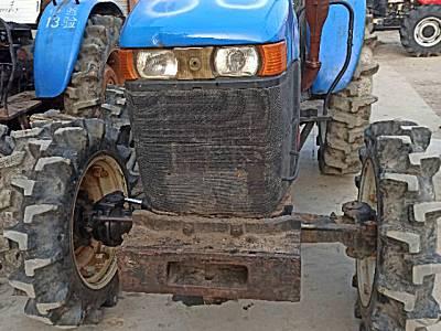 纽何兰704拖拉机
