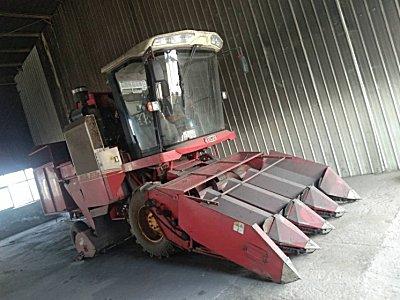 雷沃谷神4YZ-4玉米收割机