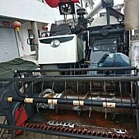 久保田758履帶式聯合收割機