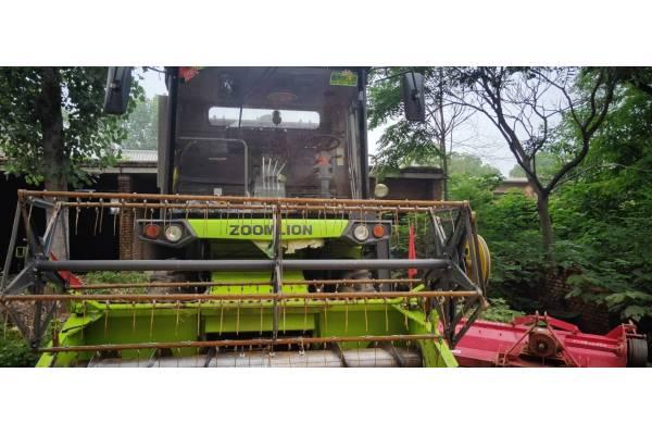 谷王4LZ-8B1收割机