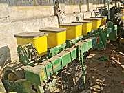 迪爾牌玉米六行精量播種機