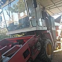 雷沃谷神4YZ-4B玉米收割机