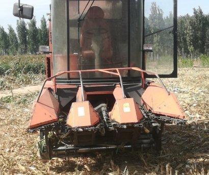 哈肯4YZ-3B自走式玉米收获机