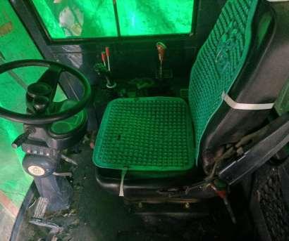 新疆牧神4QZ-2200型自走式青(黃)貯飼料收獲機